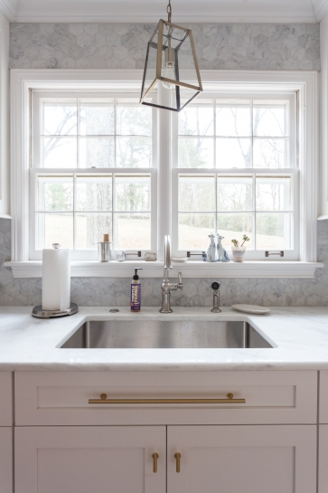 "3"" hexagonal backsplash in Carrara marble. Photo Courtesy: Julia Steele"